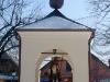 88-ciezkowice-kapliczka-sw-floriana-na-rynku-fot-piotr-firlej-www-skamienialemiasto-pl_
